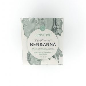 Product image of the box of Ben and Anna, natural toothpaste for sensitive teeth